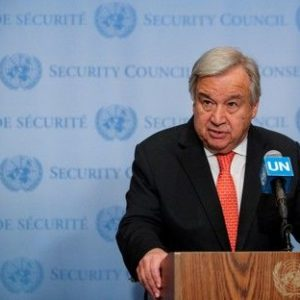 U.N. chief urges restraint by India, Pakistan over Kashmir