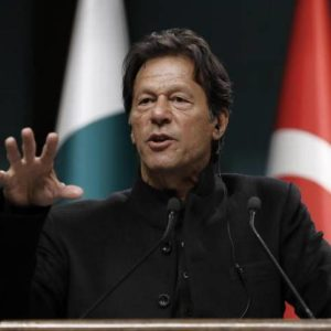 Imran Khan discusses Kashmir issue with Angela Merkel