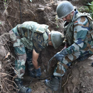 Army defuses two missile shells in Poonch 0 (0)