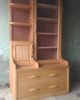 Dressing Table with Mirror &  Drawer @ Rs.12000